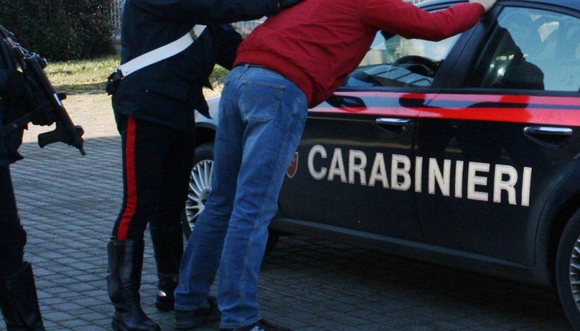 Tentano truffa a due anziani ma la signora annusa il raggiro e chiama i Carabinieri: in manette due partenopei