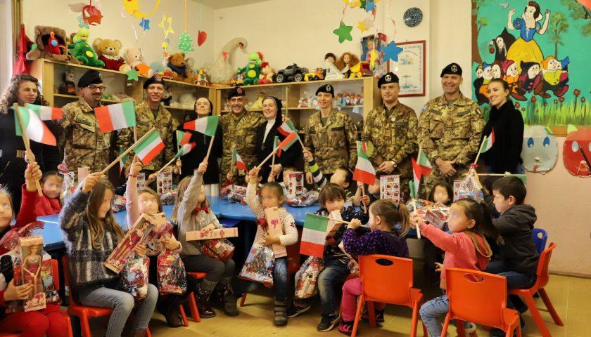 """Missione in Kosovo: donazioni e solidarietà dai militari italiani dell'8° Reggimento Artiglieria Terrestre """"Pasubio"""" di Persano"""