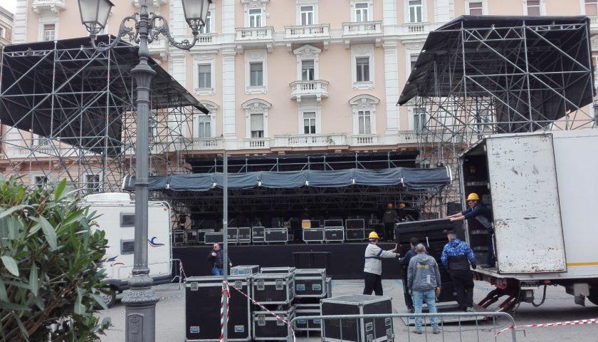 Capodanno a Salerno, quasi pronto il palco per Clementino ed per il gran finale con Max Gazzè