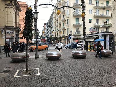 Salerno: al corso spuntano le fioriere al posto degli antiestetici new jersey