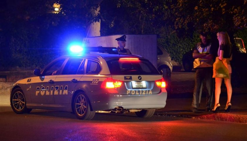 Salerno: DASPO per sei prostitute sorprese in litoranea