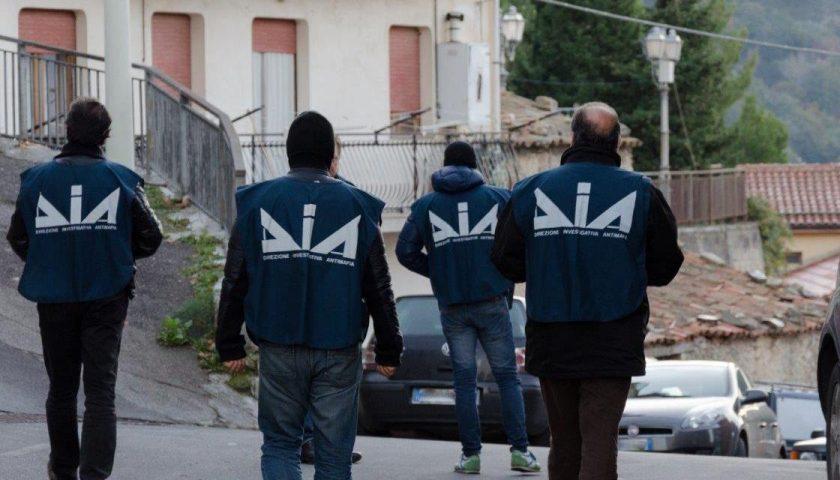 Imprenditore salernitano sotto usura a Cava de' Tirreni per 10 anni: ecco i nomi degli arrestati nel blitz della Dia