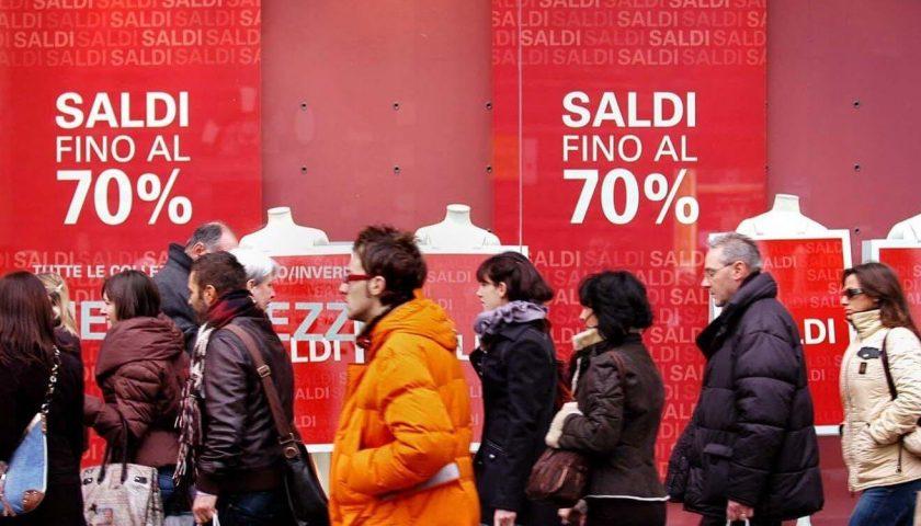 """Confcommercio Campania: """"Calo vendite nei saldi del 50%"""""""