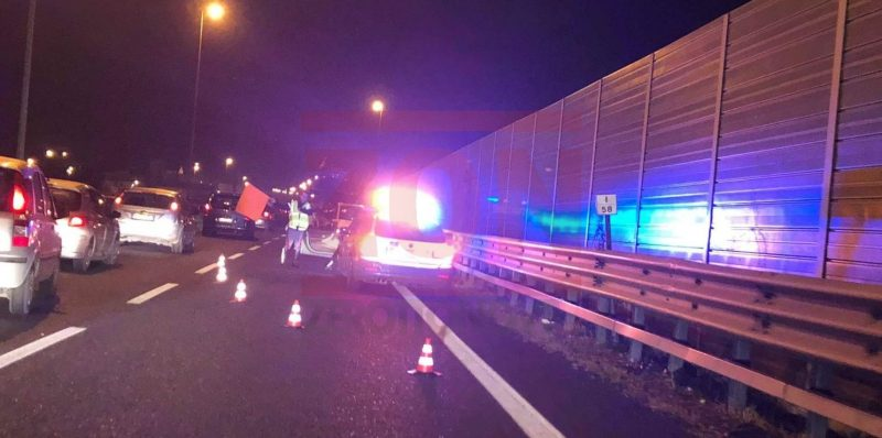 Paura sulla tangenziale di Salerno: auto contromano, autobus sfiora l'incidente