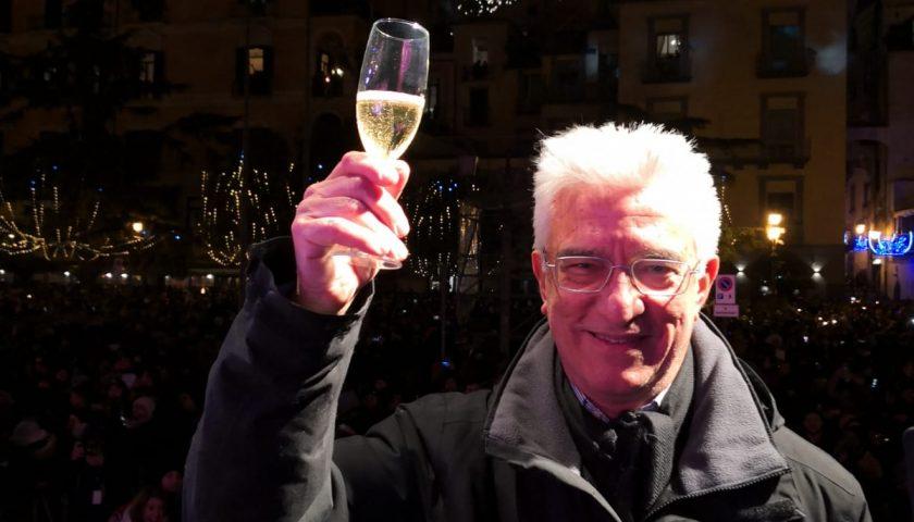 Capodanno in Piazza: grande successo per la musica di Max Gazzè e Clementino. Gli auguri del sindaco di Salerno