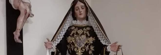 Rubato il cuore trafitto da spade della Madonna dell'Addolorata