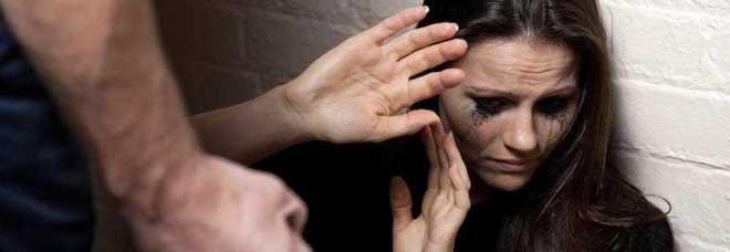 Minacce all'ex e al datore di lavoro, doppio divieto per il tossico 40enne