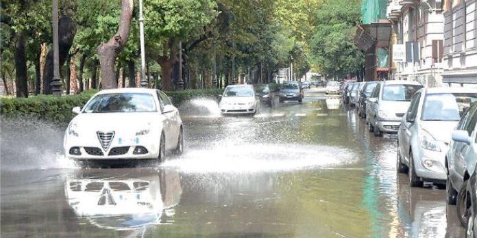 Tempesta di fulmini, danni a Salerno