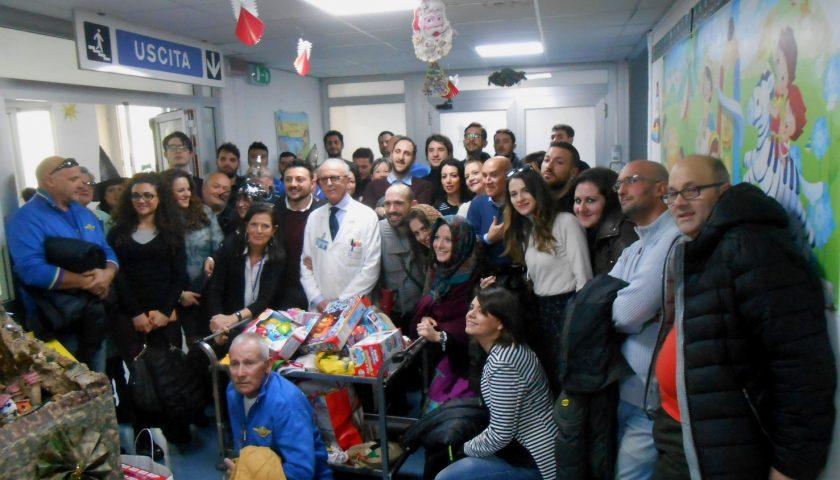 Dai Free Bikers Quelli di Sempre una Befana piena di doni per i bambini ospiti dei reparti del Ruggi di Salerno