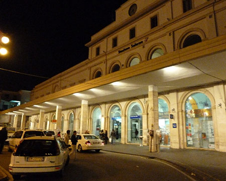 Salerno: stazione blindata, task force anti-abusivi