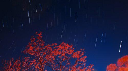 Si prepara la prima pioggia di stelle cadenti artificiali