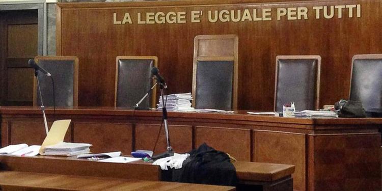 """Gestiva una casa a """"luci rosse"""": scatta il processo immediato per un 50enne di Fisciano"""
