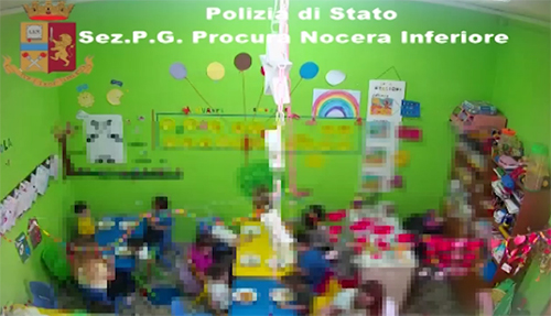 S. Egidio del Monte Albino: maltrattamenti in una scuola materna, due operatrici nei guai – VIDEO