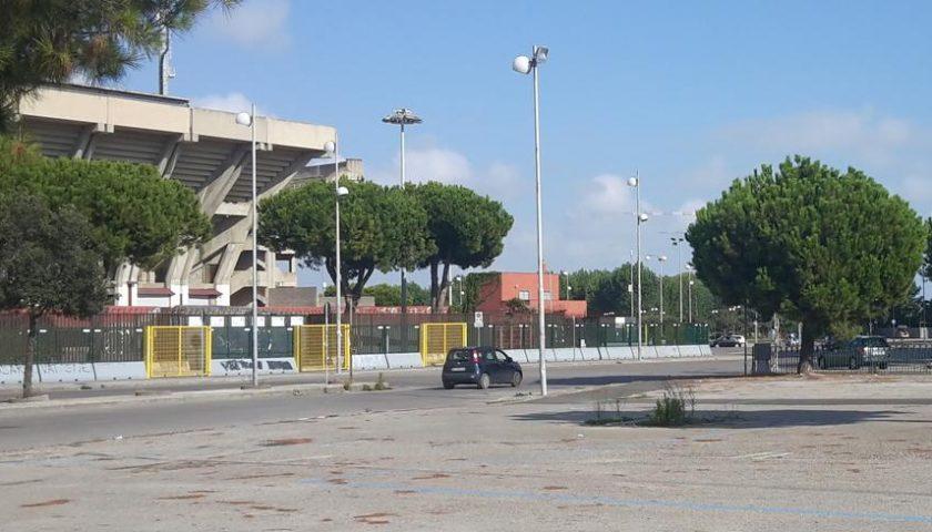Salerno, Daspo per tre parcheggiatori abusivi sorpresi davanti allo stadio Arechi