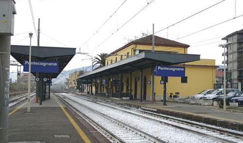 Pontecagnano: fulmine manda in tilt stazione ferroviaria, ritardi sui treni