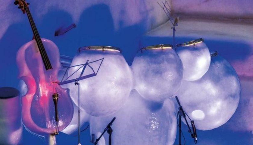 Musica da brividi con gli strumenti di ghiaccio