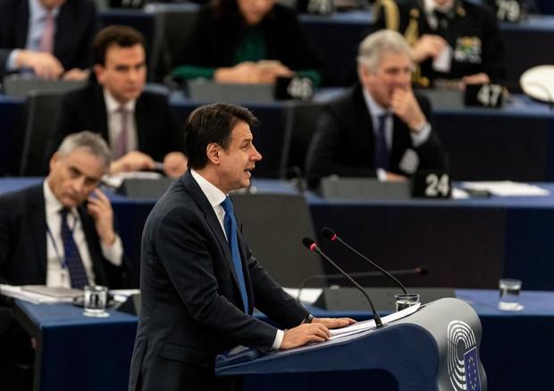A Strasburgo 'processo' a Conte. 'Burattino di Lega e M5S'. Salvini: 'Insulti vergognosi'