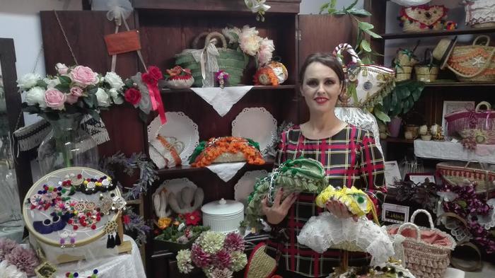 """Moda: artigiana lancia """"cannolo bag"""", borsa in stile siculo"""