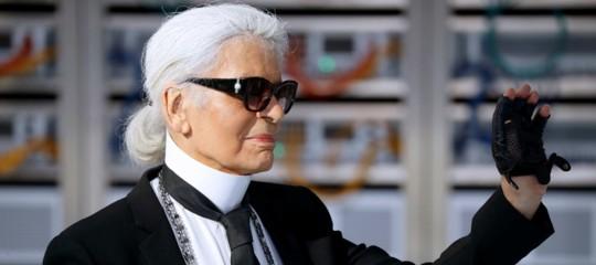 Addio a Karl Lagerfeld, il sigillo pop sulla moda di Fendi e Chanel