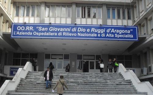 """Covid 19, il Ruggi richiama l'infettivologo Luigi Greco: """"Sono a disposizione"""""""