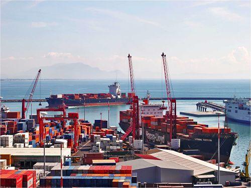 Porto Salerno, +5,35% traffico merci nei primi 8 mesi del 2019