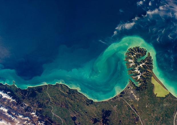 Gli oceani cambieranno colore entro la fine del secolo