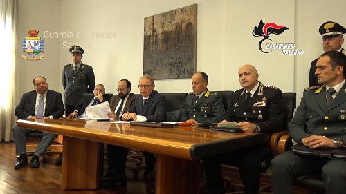 Salerno: arrestati il Direttore Agenzia provinciale delle Entrate e l'amministratore del caseificio Tre Stelle