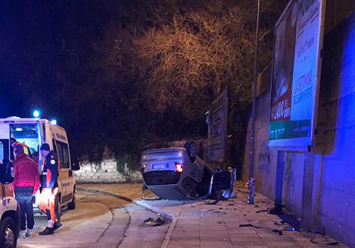 Salerno: auto si ribalta in via San Leonardo, due feriti