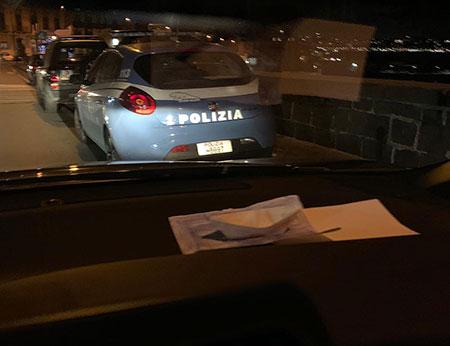 Salerno: molesta i passanti in centro, arrestato 30enne