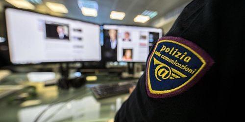 Salerno, si finge donna per chattare con ragazzini: arrestato 47enne
