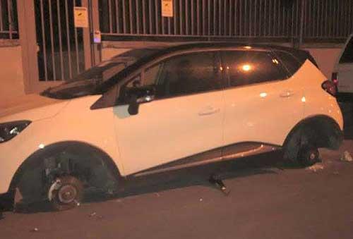 Anche a Vietri la banda delle ruote: rubati pneumatici a due auto