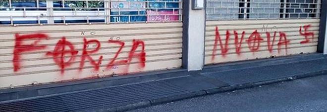 Salerno, svastiche sul circolo Pd. Il sindaco: «Atto gravissimo»