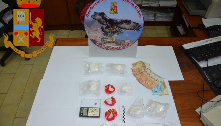 Detenevano in casa 780 gr. di cocaina purissima: coppia di spacciatori salernitani in manette