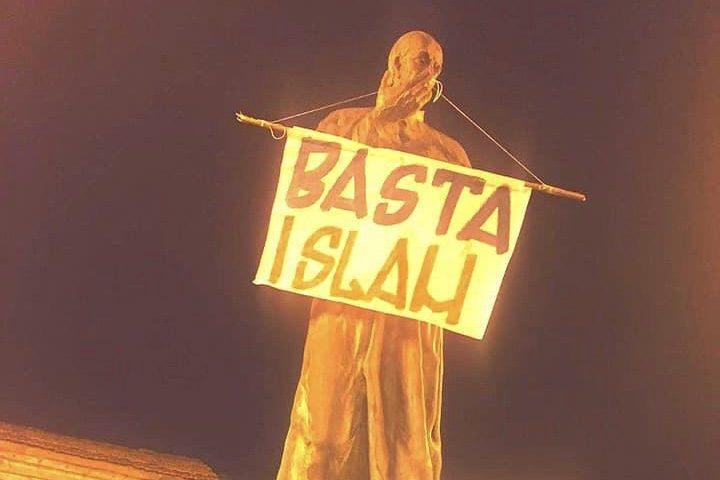 Pagani. Raid alla statua di Sant'Alfonso, monta la protesta