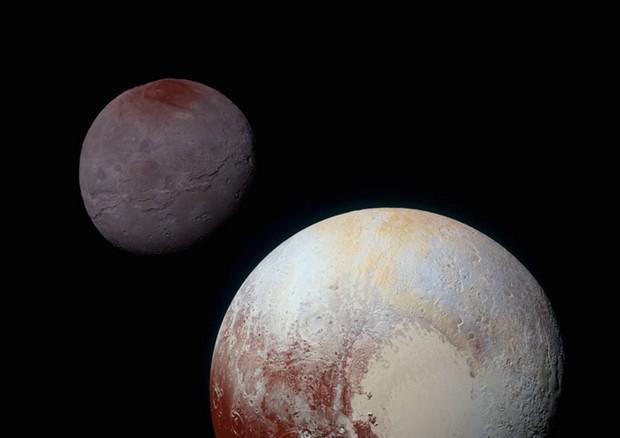 Poche cicatrici su Plutone e Caronte
