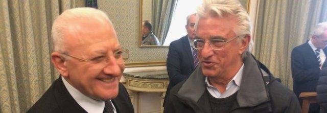 Prostitute e parcheggiatori abusivi, De Luca torna sindaco-sceriffo