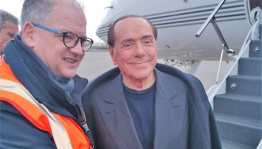 Aeroporto: in attesa dei definitivi permessi ci atterra pure Silvio Berlusconi