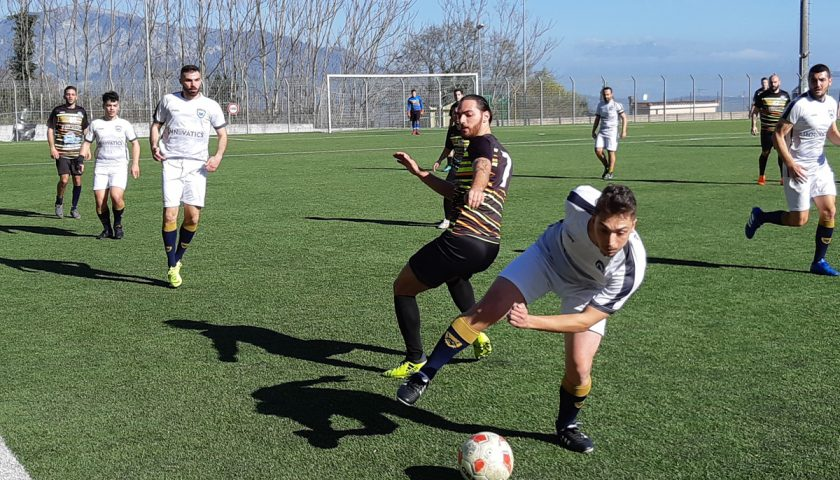 Salerno Guiscards, riparte la corsa verso i play off del team calcio che rifila 6 reti alla Pro Salerno