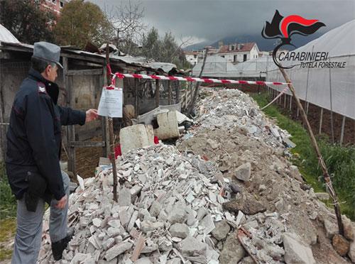 Scoperto a Giffoni Sei Casali uno stoccaggio abusivo di rifiuti speciali