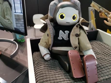 Il robot si fa personale e social
