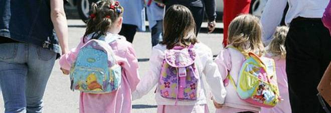 """Scuola Forteco a Pagani, i genitori: """"i bambini disertano la didattica a distanza in segno di protesta"""""""