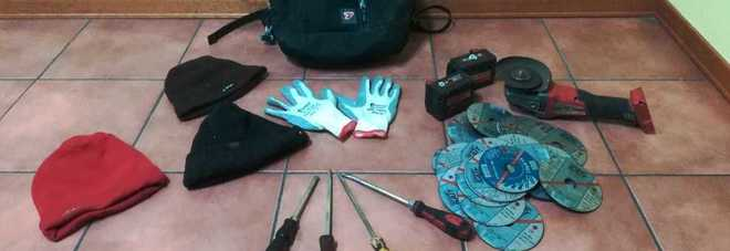 Da Napoli a Lagonegro per rubare, la gang dei ladri bloccata sull'A2