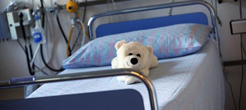 Sofia, due mesi: rischia di morire perché in ospedale manca un ago