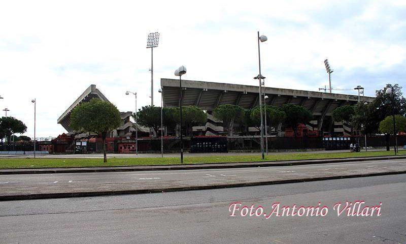 Fa esplodere un grosso petardo all'esterno dello stadio Arechi nel dopopartita di Salernitana-Crotone: arrestato dalla Polizia