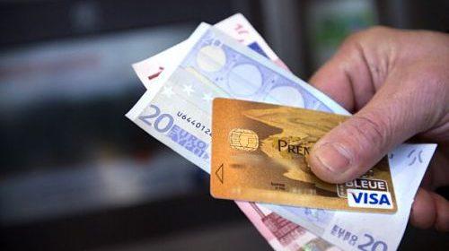 Preleva 500 euro da una carta di credito rubata, 44enne alla sbarra