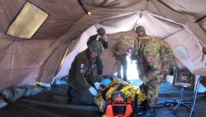 Missione in Kosovo: esercitazione di protezione civile con i militari italiani dell'8° Pasubio di Persano