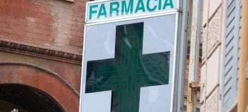 Angri, vendita di farmaci rubati in farmacia: 5 nei guai