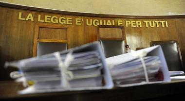 Nocera Inferiore: genitore annuncia che s'incatenerà davanti al tribunale per avere una sentenza sulla sua separazione