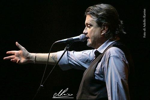 Cristiano De Andrè il 26 aprile in concerto all'Arena del Mare di Acciaroli