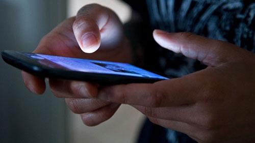 Mail e WhatsApp fuori orario da lavoro: diritto alla disconnessione